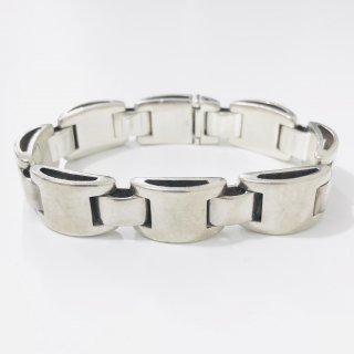 <img class='new_mark_img1' src='https://img.shop-pro.jp/img/new/icons1.gif' style='border:none;display:inline;margin:0px;padding:0px;width:auto;' />Sterling Silver Bracelet