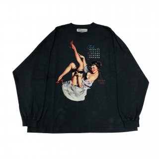 <img class='new_mark_img1' src='https://img.shop-pro.jp/img/new/icons1.gif' style='border:none;display:inline;margin:0px;padding:0px;width:auto;' />Pinup Girl Long Sleeve Tee