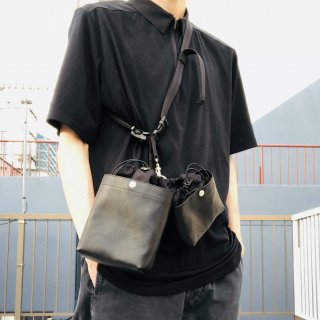<img class='new_mark_img1' src='https://img.shop-pro.jp/img/new/icons1.gif' style='border:none;display:inline;margin:0px;padding:0px;width:auto;' />Near Here Bag Leather
