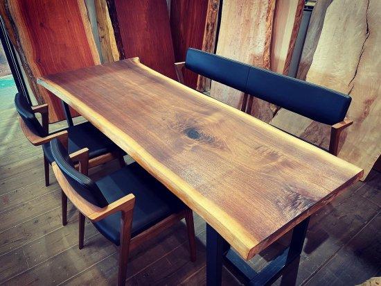 一枚板 ダイニングテーブルウォールナット一枚板 大阪