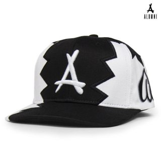 ALUMNI VINTAGE BULLDOG SNAPBACK CAP【BLACK×WHITE】