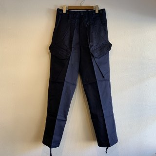 <img class='new_mark_img1' src='https://img.shop-pro.jp/img/new/icons47.gif' style='border:none;display:inline;margin:0px;padding:0px;width:auto;' />【MILITARY DEADSTOCK】 UK ARMY ROYAL NAVY COMBAT TROUSERS 斜めポケットカーゴパンツ