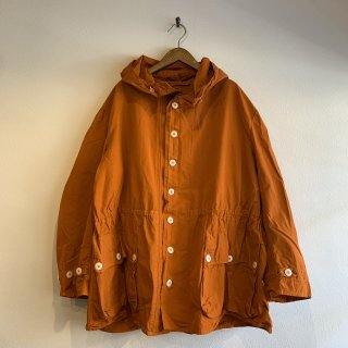 <img class='new_mark_img1' src='https://img.shop-pro.jp/img/new/icons47.gif' style='border:none;display:inline;margin:0px;padding:0px;width:auto;' />【MILITARY DEADSTOCK】SWEDISH ARMY SNOW PARKA ORANGE