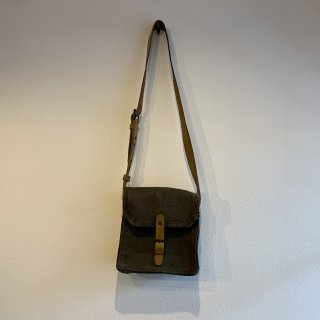 <img class='new_mark_img1' src='https://img.shop-pro.jp/img/new/icons47.gif' style='border:none;display:inline;margin:0px;padding:0px;width:auto;' />【MILITARY DEADSTOCK】FRENCH ARMY LEATHER SHOULDER BAG 2WAY