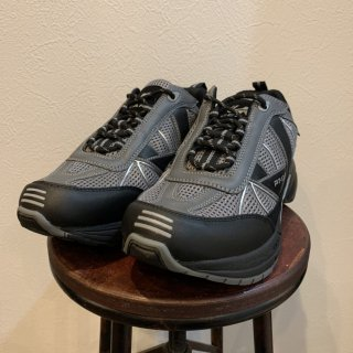 <img class='new_mark_img1' src='https://img.shop-pro.jp/img/new/icons5.gif' style='border:none;display:inline;margin:0px;padding:0px;width:auto;' />【MILITARY DEADSTOCK】 UK MILITARY TRAINER PT-03 UK GEAR スニーカー