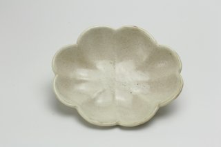 粉引輪花楕円皿(小)堂本正樹
