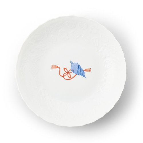 鍋島 宝尽くし法螺貝文 彫7寸皿