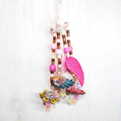 怖がりな鳥さんも遊べる♪ 花と幸せを運ぶ鳥の羽ブローチ ♪ _鳥・インコ用おもちゃ