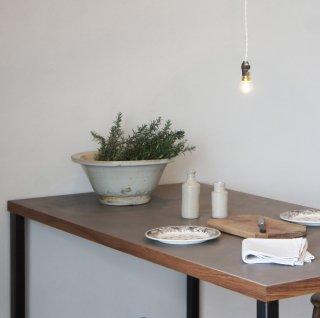 モールテックス+天然木テーブル