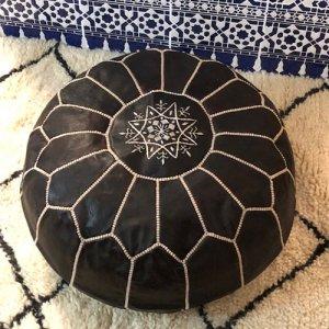 モロッコ刺繍プフ ブラック