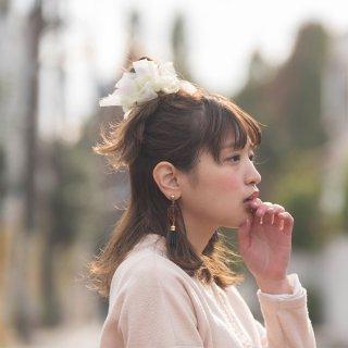 mini|オオデマリ|咲き編みシュシュ