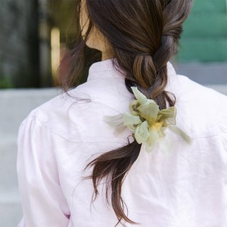 mini|グリーンティ|咲き編みシュシュ