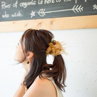 【party】ゴールドブラウン|彩る咲き編みシュシュ