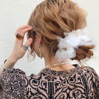 【party】スノーホワイト|彩る咲き編みシュシュ