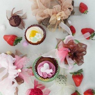 mini|いちごチョコ|咲き編みシュシュ