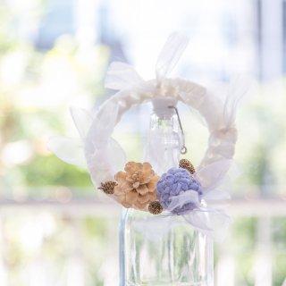 冬を彩る咲き編みの実がなるリース|スノウ