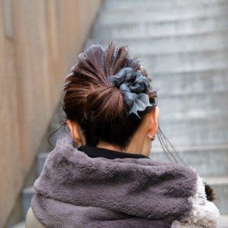 mini|モノトーン|彩る咲き編みバレッタ/ヘアクリップ