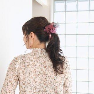 【party】彩る咲き編みシュシュ|mini|ルージュ