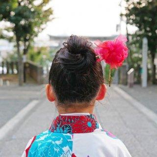 七五三を彩る咲き編み手毬かんざし|茜(あかね)