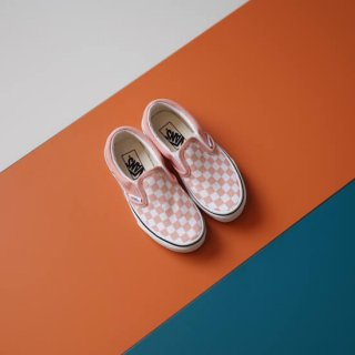 <img class='new_mark_img1' src='https://img.shop-pro.jp/img/new/icons10.gif' style='border:none;display:inline;margin:0px;padding:0px;width:auto;' />VANS Classic Slip-On Checkerboard / Salmon