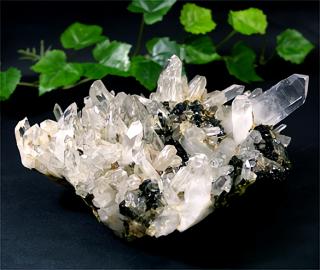 ブラジル産水晶クラスターwith エピドート11