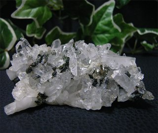 ブラジル産水晶クラスターwith エピドート43