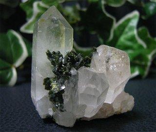 ブラジル産水晶クラスターwith エピドート40