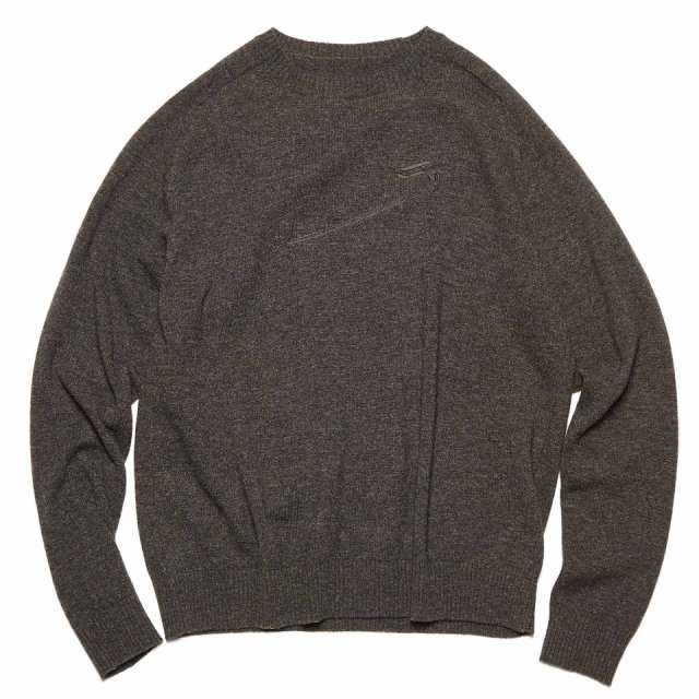 SAFETY PINS EMBROIDERY LAMBS WOOL CREWNECK KNIT