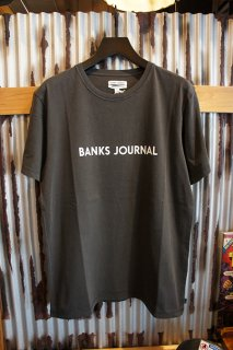 BANKS JOURNAL LABEL STAPLE TEE SHIRT (DIRTY BLACK)