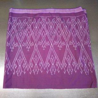 ラオスの伝統服 シン(巻きスカート)