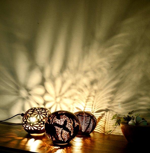 ココナツの実ランプ(お花柄)