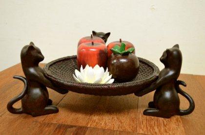 ブロンズ調 3匹のネコのフルーツバスケット