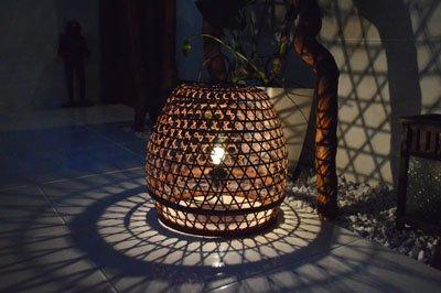【11月下旬入荷予定】ラタンの置き型ランプ