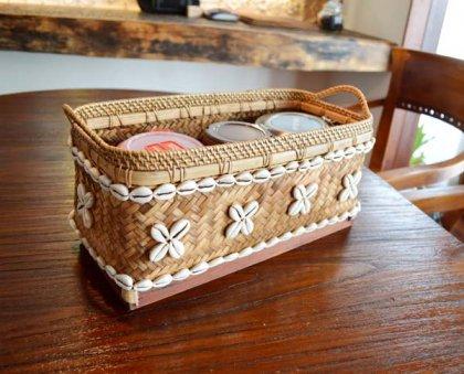 バリ島のタカラガイバンブーバスケット(長方形)