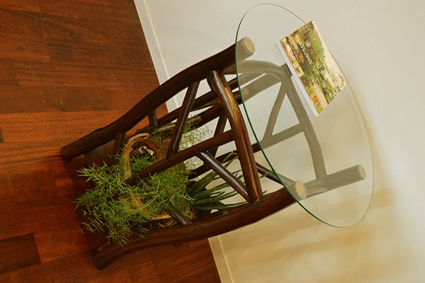 AR根のガラストップのカフェテーブル(ダークブラウン)