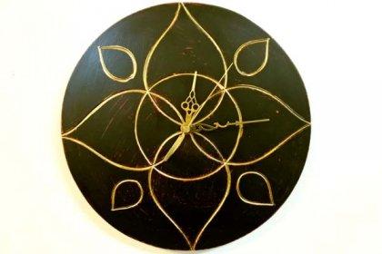 ジャワリーフ壁掛け時計(ブラウン)