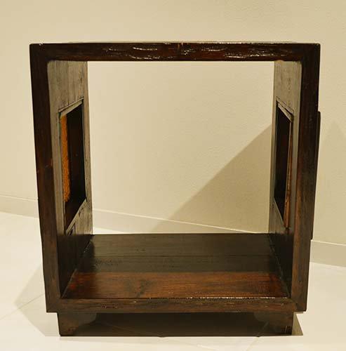 ATNチーク材 キューブサイドテーブルラックDB(フローラガラス入り)