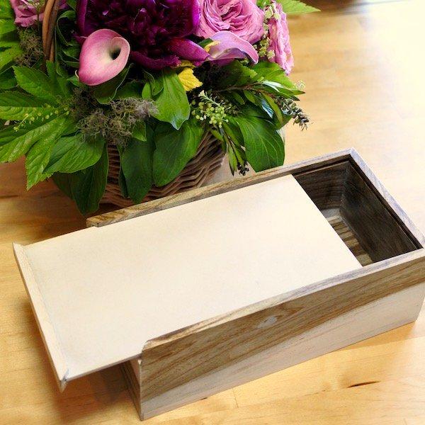 チークのシンプルティッシュボックス(ホワイト)