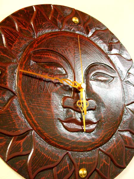 ほほえみ太陽の壁掛け時計