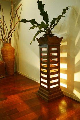 (10月下旬入荷予定)ZEN古木チーク材ルーバーランプ(花台タイプ)