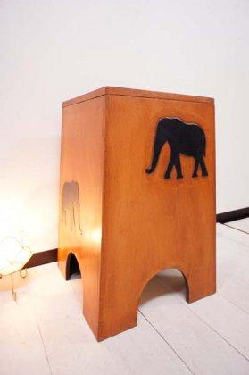 ゾウの収納スツール