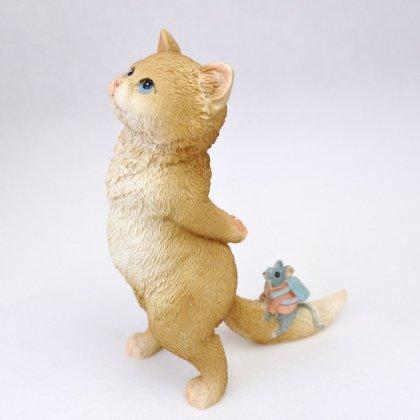 見上げネコとネズミ