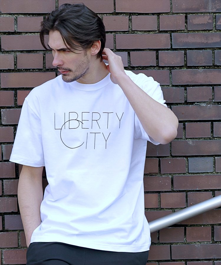 【LIBERTY CITY/リバティーシティ】 [BIG C] Tシャツ<img class='new_mark_img2' src='https://img.shop-pro.jp/img/new/icons5.gif' style='border:none;display:inline;margin:0px;padding:0px;width:auto;' />