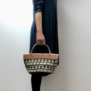 持ち手ラタンの麻紐トートバッグ/カゴバッグ【マルシェ】シカクとツブツブ/黒×オフ白