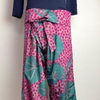 【着物リメイク】タイパンツ/変形ドットと葉・薄グレー×濃ピンク×緑