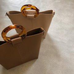 SELECT round handle bag