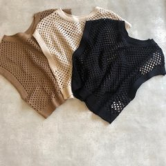 SELECT BOX knit vest<img class='new_mark_img2' src='https://img.shop-pro.jp/img/new/icons16.gif' style='border:none;display:inline;margin:0px;padding:0px;width:auto;' />