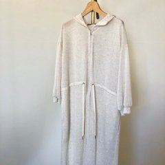 SELECT long hood gown<img class='new_mark_img2' src='https://img.shop-pro.jp/img/new/icons16.gif' style='border:none;display:inline;margin:0px;padding:0px;width:auto;' />