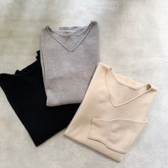 aries Vneck over knit