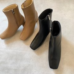SELECT square boots